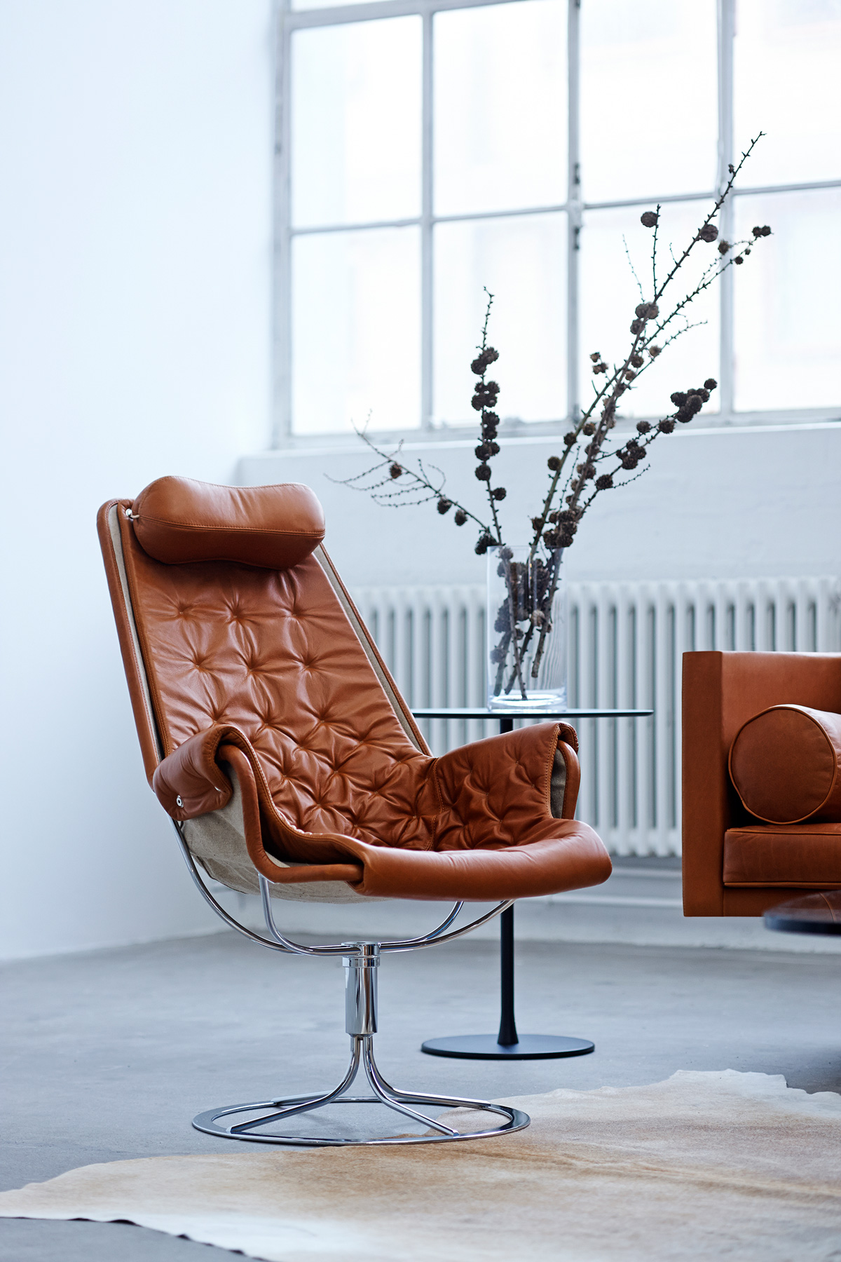 DUX Jetson Chair and Ritzy Sofa